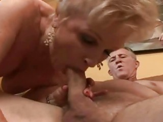 big beautiful woman granny getting her cunt