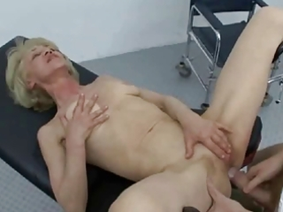 granny can fucking engulfing and swallowing !!