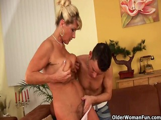 saggy granny with squirting and shaggy bawdy
